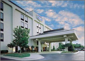 Holiday Inn Express Suites Memphis Medical Center